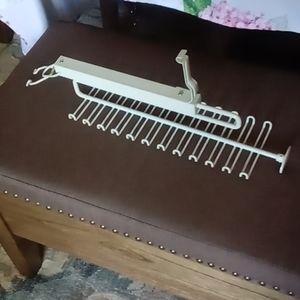 👦🏚 Slide-able Hanger - Men's Belts & Ties